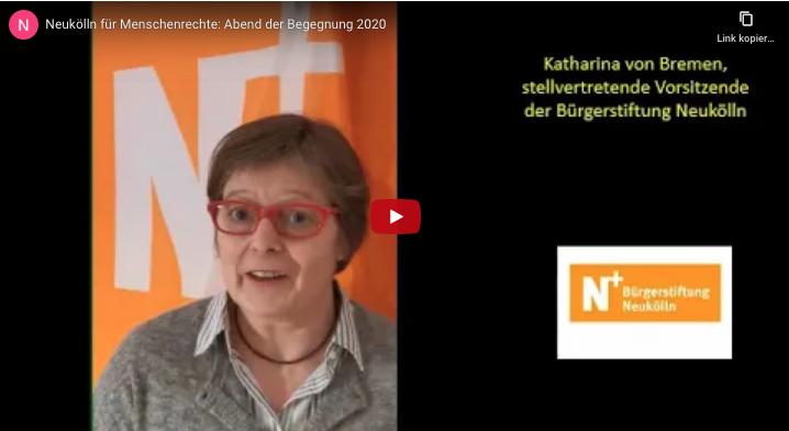 Katharina von Bremen vor dem N+Banner, auf youtube